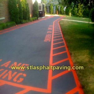 parking-lot-striping-st-louis-asphalt-sealing-striping
